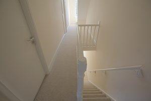 Treppe tapezieren