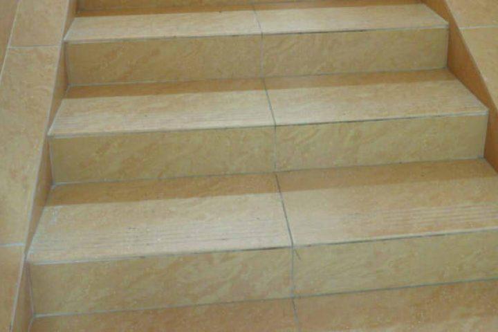Treppen Fliesen verlegen