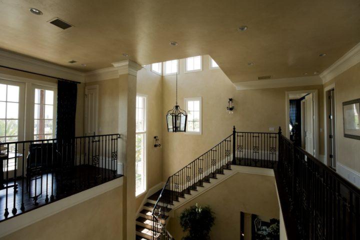 Treppenhaus einrichten