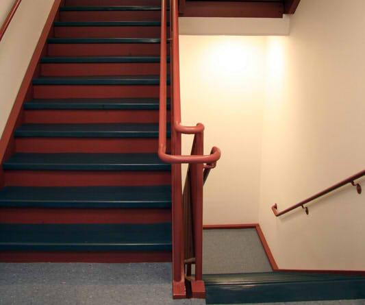 treppenhaus streichen in 4 schritten zum erfolg. Black Bedroom Furniture Sets. Home Design Ideas