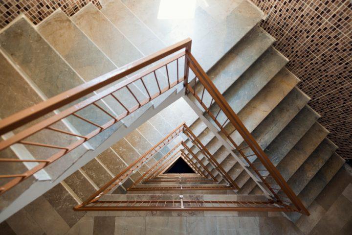 Treppenhaus tapezieren Kosten