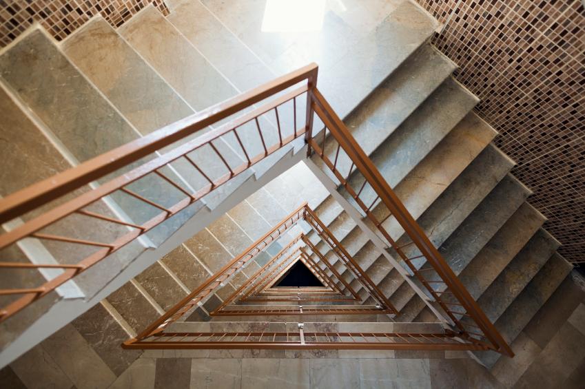 treppenhaus tapezieren diese kosten kommen auf sie zu. Black Bedroom Furniture Sets. Home Design Ideas