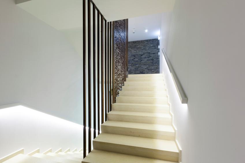 Vorschrift f r die treppenhausbeleuchtung ein berblick - Scale moderne in marmo ...