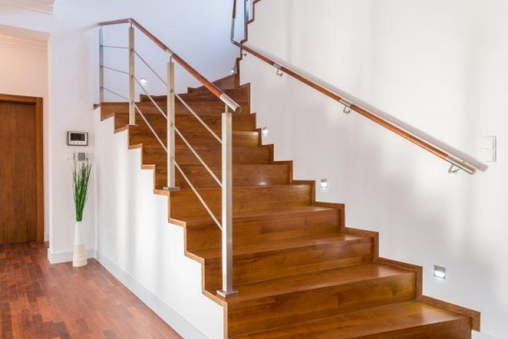 Treppenstufen beizen
