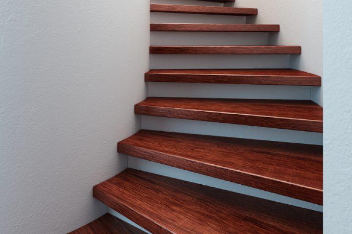 Treppenstufen kleben