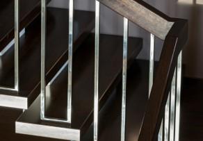 Treppenstufen sanieren schleifen und streichen
