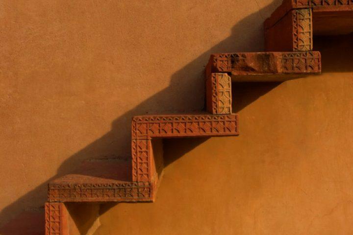 Treppenstufen schrauben