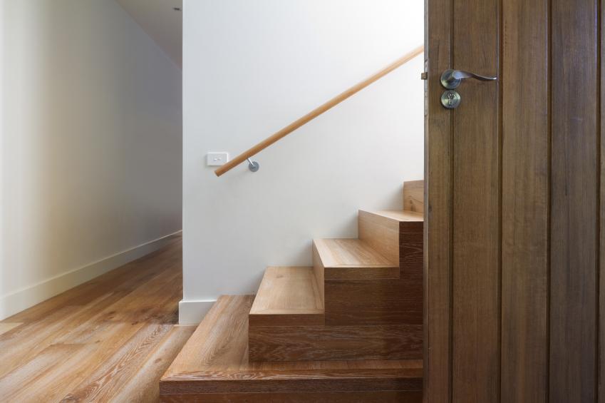 treppenverkleidung diese kosten entstehen. Black Bedroom Furniture Sets. Home Design Ideas