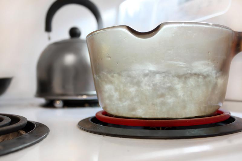 trinkwasser abkochen warum wann wie lange. Black Bedroom Furniture Sets. Home Design Ideas