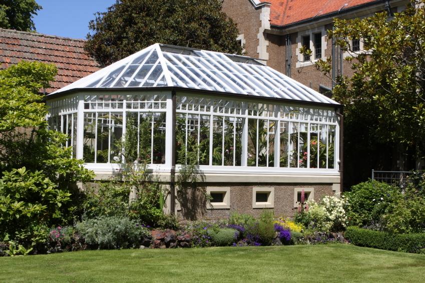 wintergarten freihstehend das sollten sie beim bau beachten. Black Bedroom Furniture Sets. Home Design Ideas