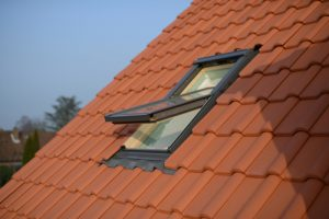 Velux-Fenster lackieren