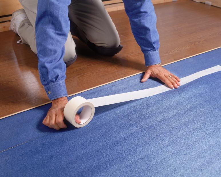 Vinylboden verlegen anleitung in 6 schritten - Vinylboden auf fliesen verlegen ...