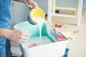 Wandfarbe mit Wasser verdünnen