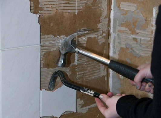 Wandfliesen Entfernen Anleitung In Schritten - Fliesen auf rigips entfernen