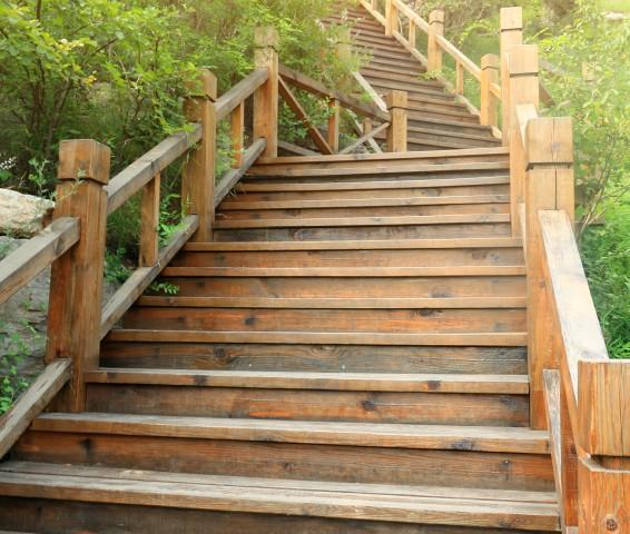 Wangentreppe aus Holz selber bauen » Anleitung in 5 Schritten