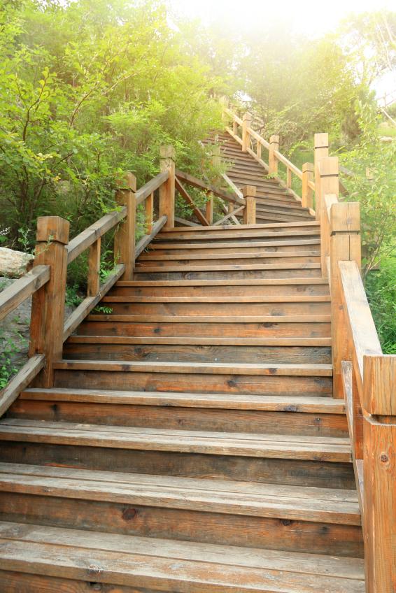 wangentreppe aus holz selber bauen anleitung   schritten