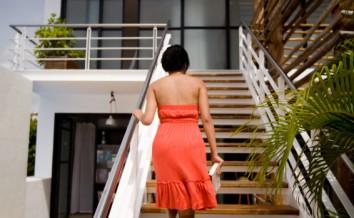 wangentreppe geschlossen die eigenschaften im berblick. Black Bedroom Furniture Sets. Home Design Ideas