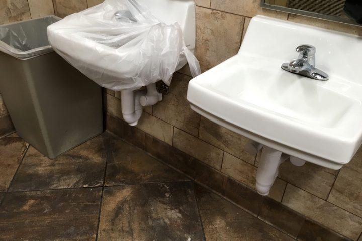 Waschbecken reparieren