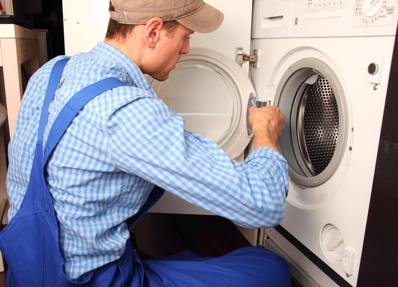 wasser läuft aus waschmaschine