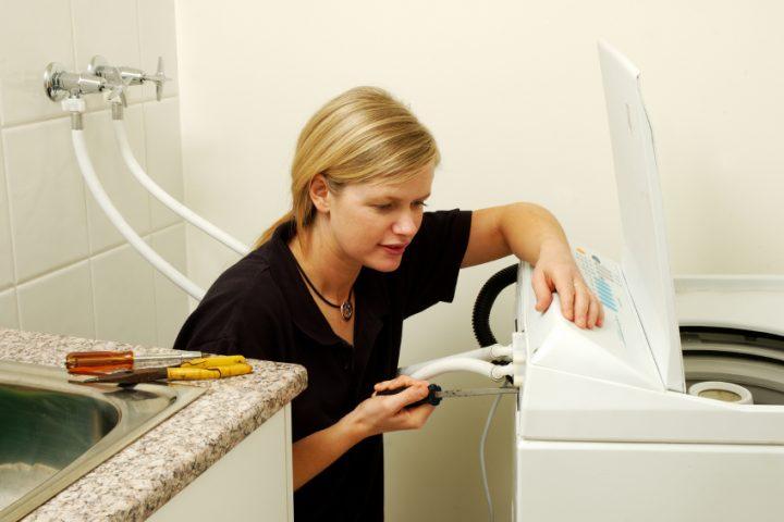 Waschmaschine an Waschbecken anschließen