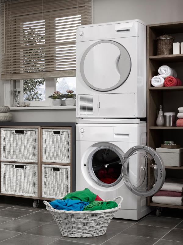 trockner auf waschmaschine stellen das ist zu beachten. Black Bedroom Furniture Sets. Home Design Ideas