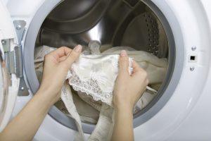 Waschmaschine macht Löcher