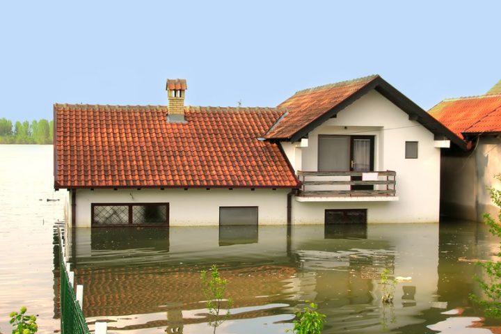 Wasser im Keller Versicherung
