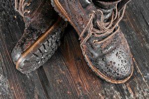 Kalkflecken auf Leder