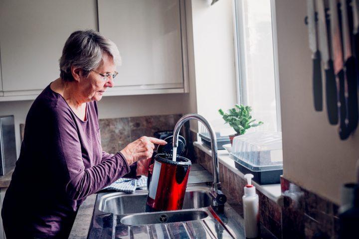 Wasserkocher entkalken Hausmittel