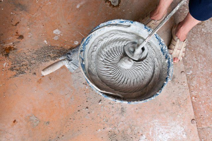 Zement anrühren Fundament
