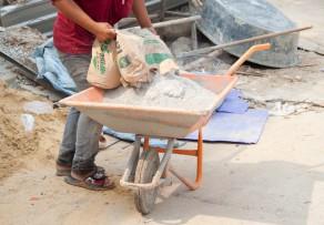 Zementmörtel verarbeiten