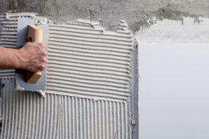 Zementmörtel überputzen