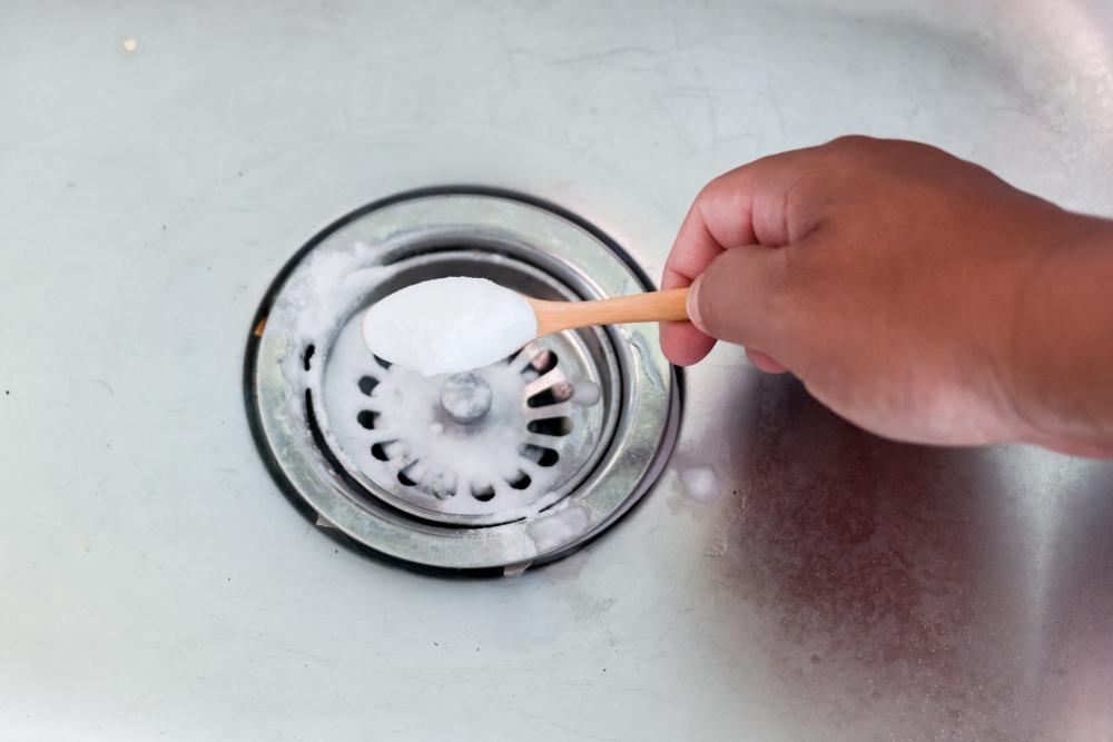 Abfluss stinkt » So entfernen Sie den Geruch