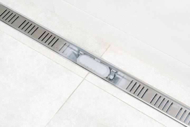 ablaufrinne-dusche-reinigen