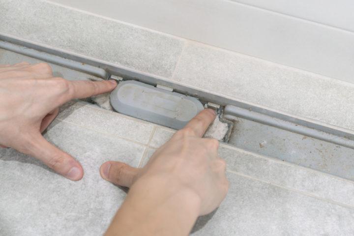 ablaufrinne-dusche-verstopft