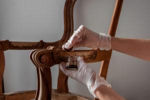 antike-moebel-streichen