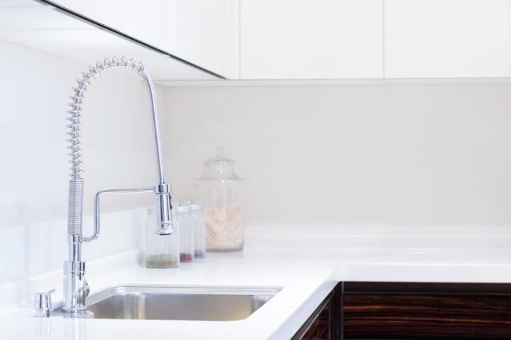ausziehbarer-wasserhahn-undicht