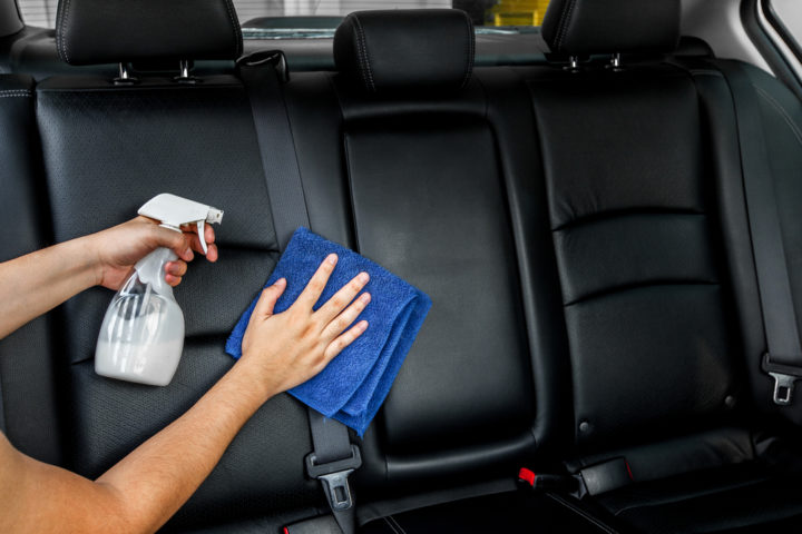autositze-leder-reinigen
