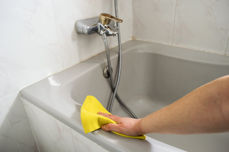 badewanne reinigen so s ubern sie die badewanne ohne sch den. Black Bedroom Furniture Sets. Home Design Ideas