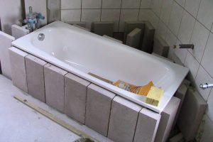 Badewanne setzen