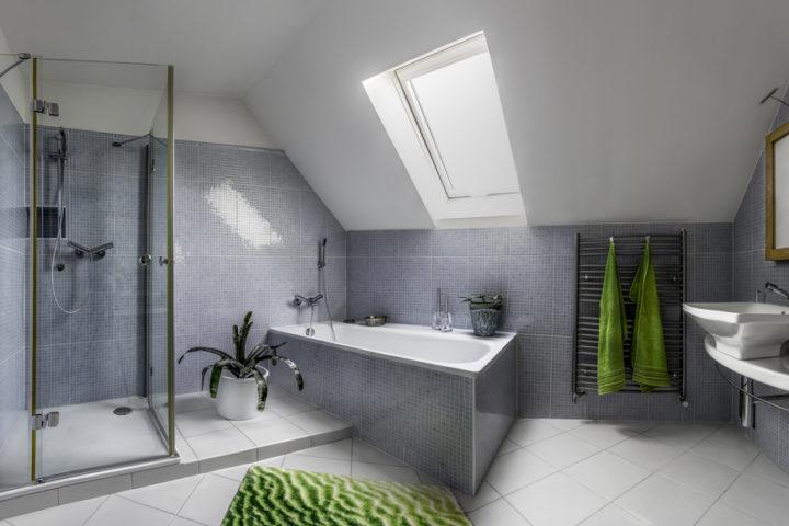badewanne-unter-dachschraege
