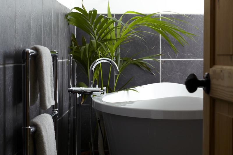 kaufberatung badewanne welche badewanne passt zu ihnen. Black Bedroom Furniture Sets. Home Design Ideas