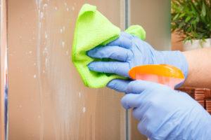 beschichtetes-glas-dusche-reinigen