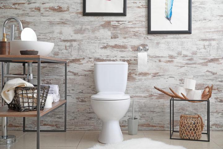 bilder-im-badezimmer-aufhaengen