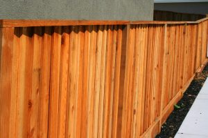 Holzsichtschutz selber bauen