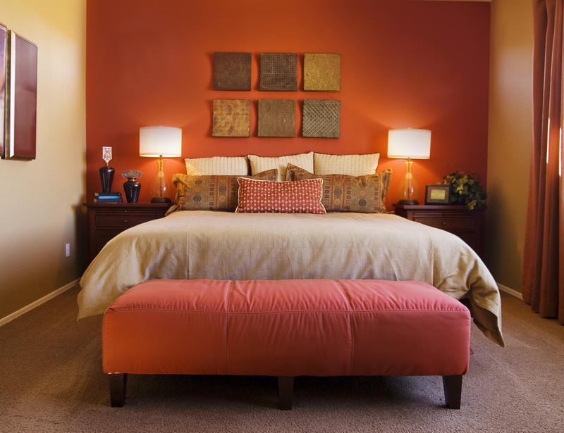 Ideen zum schlafzimmer streichen f r einen ruhigen schlaf for Schlafzimmer rot braun