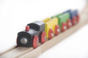 Holzeisenbahn selber bauen