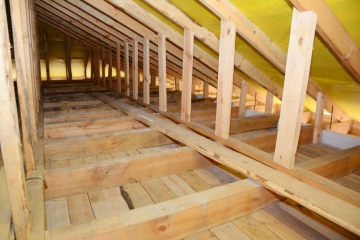 dachboden-fussbodenaufbau-holzbalkendecke