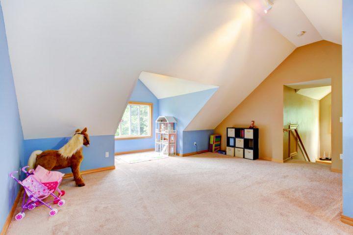 K che landhausstil rot for Jugendzimmer unterm dach gestalten