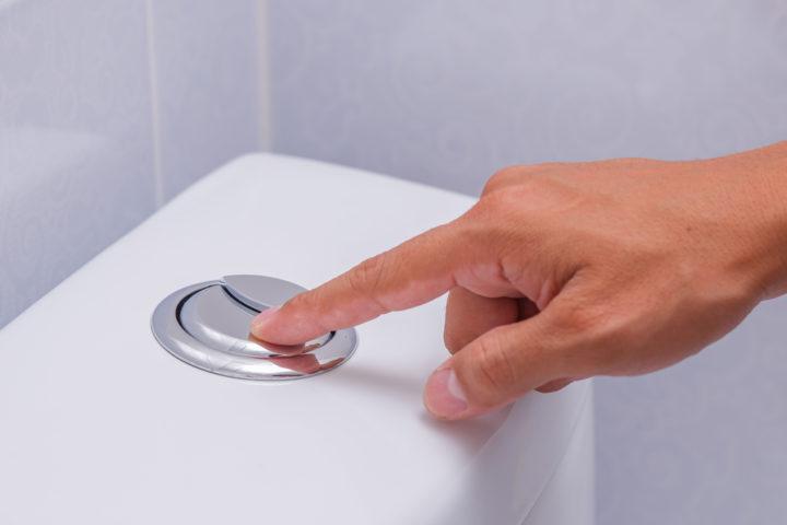 defekte-toilettenspuelung-wer-zahlt